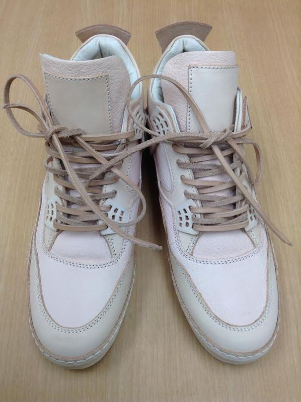 ... -10 。 ~新宿にある靴修理のDoor